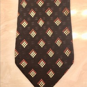 Chanel Tie Used Once in fashion show.
